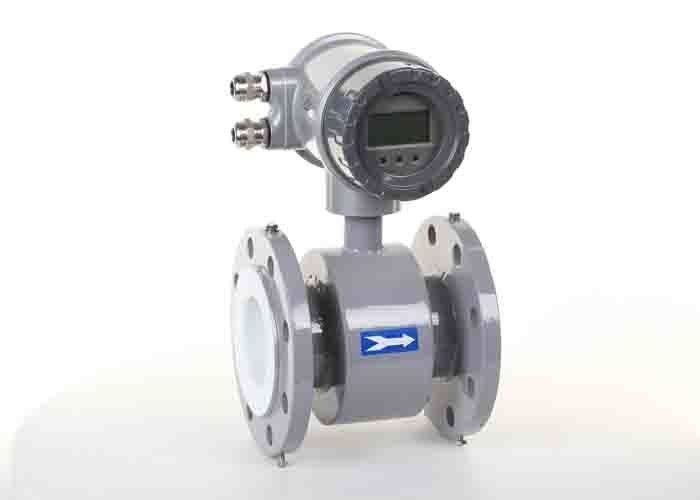 Flange Connect Port Magnetic Flow Meter DN25 - DN300 Pipe Diameter 1 - 15 M/S Flow Velocity Range